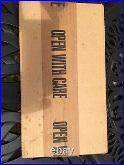 BATMAN THE DARK KNIGHT 1st EDITION SIGNED HC BY FRANK MILLER. DC COMICS 1986