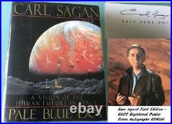 Carl Sagan PALE BLUE DOT Cosmos signed book First Edition Rare UACC