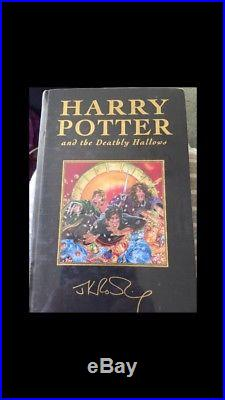 Harry Potter Deathly Hallows. Signed and Sealed. Book 7. First edition. Unopened