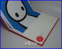 STIK GRAFFITI & STREET ART FIRST EDITION SIGNED BOOK WITH BLUE POSTER New Foyles