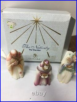 Vintage Fenton Glass Hand Painted First Edition 3 Piece Nativity The Wise Men